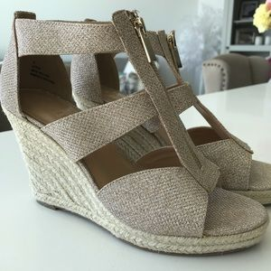 Gold Leyah Expression Wedge Sandals Size 9